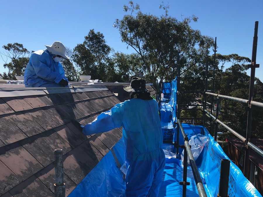 Lidoran team with asbestos roof removal in progress with highest safety standards - servicing Sydney area